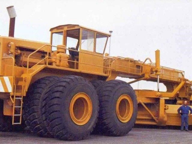 Colossal Construction Equipment