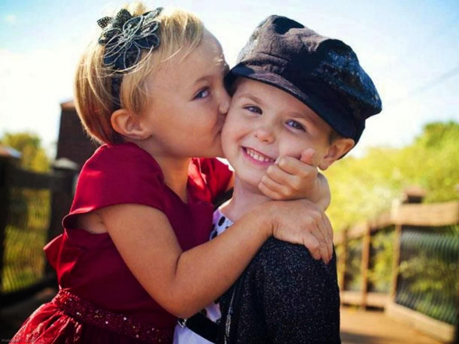 Animals Hd Wallpapers 2015 Funny Kissing Hugging Baby: Cute Child Couple Wallpaper