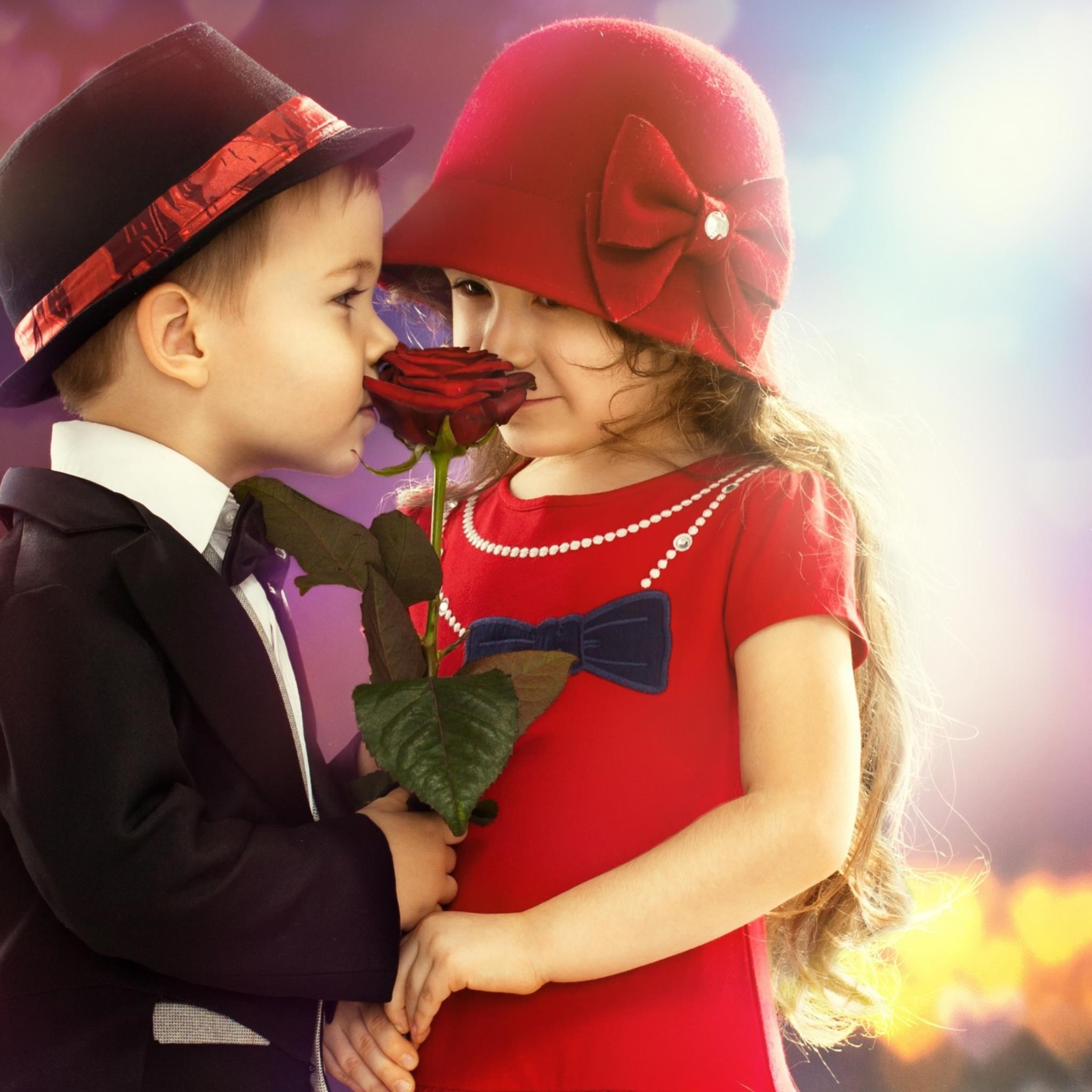 Cute Child Couple Wallpaper